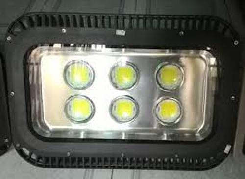 Đèn pha led 300W thấu kính tán quang
